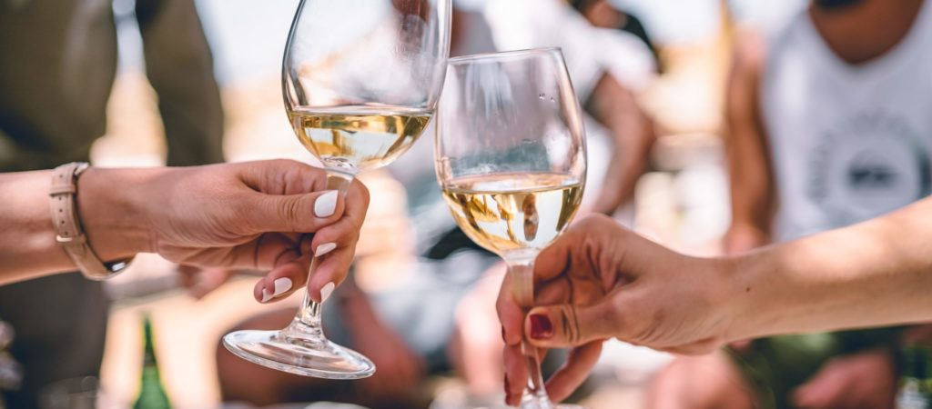 hoe wordt witte wijn gemaakt